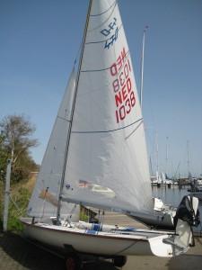 IMG 0652 225x300 | Optuigen van een zwaardboot tweemans (470)